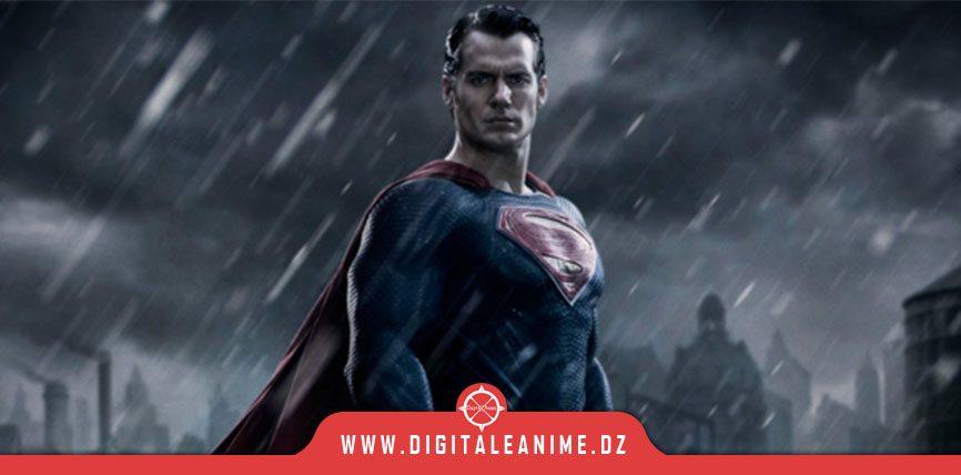 JUSTICE LEAGUE SNYDER CUT UN EXTRAIT SUPERMAN EN COSTUME NOIR